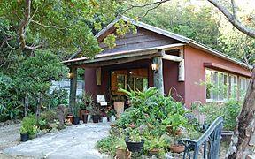 隠れ家風カフェ