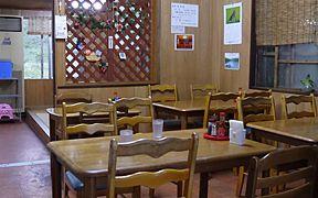 テーブル席と座敷席
